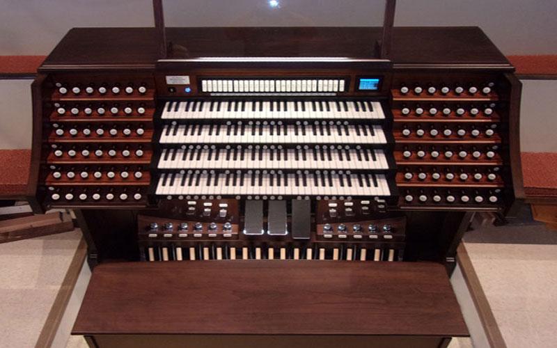 Derbyshire Baptist console in Richmond, Virginia